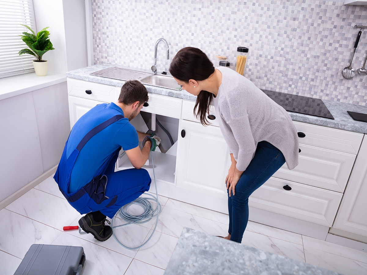 https://nolascoplumbing.com/wp-content/uploads/2021/06/Choosing-the-Right-Drain-Cleaning-Service-for-Your-Home-_-Jacksonville-FL.jpg