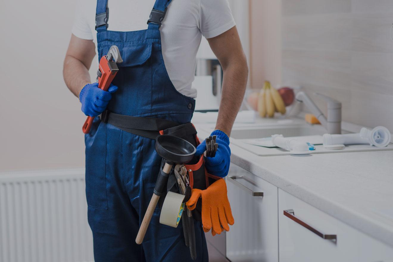 https://nolascoplumbing.com/wp-content/uploads/2021/06/plumber-bg.jpg